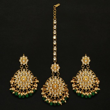 Green Color Kundan Earrings With Maang Tikka