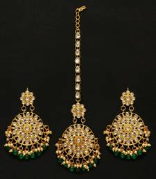 Green Color Kundan Earrings With Maang Tikka