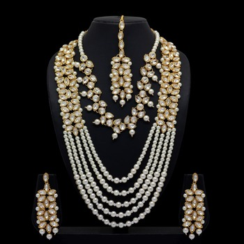 White Color Kundan Necklace With Earrings & Maang Tikka