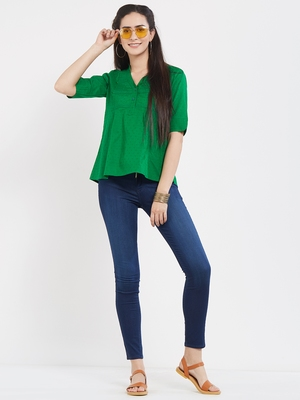 Green  dobby pleated top with a sleeve with cuffs