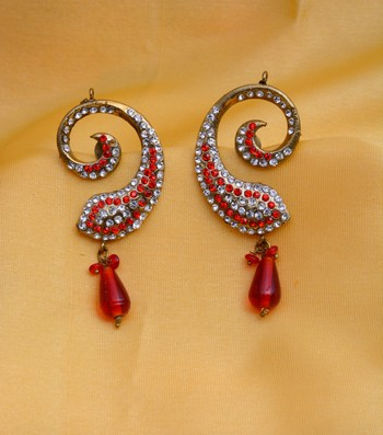 Red studded antique gold plated earings