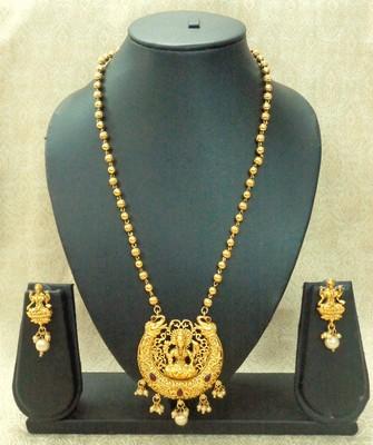 Kempu High Gold Plated Laxmi Temple Pendant Earring Set