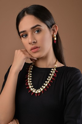 Kundan And Red Onyx Necklace Set With Pearls