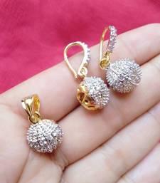 Multicolor diamond pendants pendant
