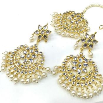 White pearls Kundan Chandbali and Mangtikka Set