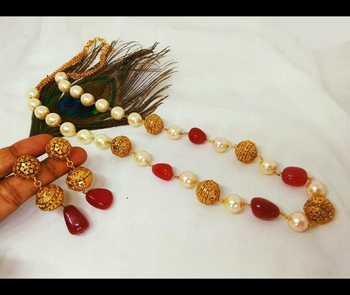 Gold Plated Red Onyx And Pearl Necklace Set