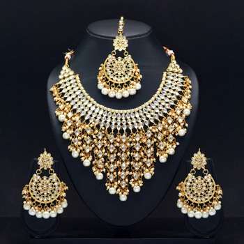 White Color Imitation Pearl Kundan Necklace With Earring And Maang Tikka