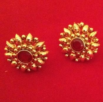 f29f1ae95 Ethnic South INDIA Bollywood Kundan stone golden stud earring - ADIVA -  366148