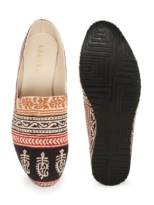 Men's Off White& Brown TPR Sole Material Printed Moccasins Slip Ons