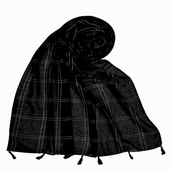Black Most Sold Plain Grid Islamic Hijab Headscarf