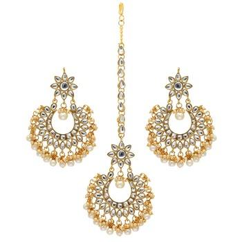 White Color Imitation Peral Kundan Earrings With Maang Tikka