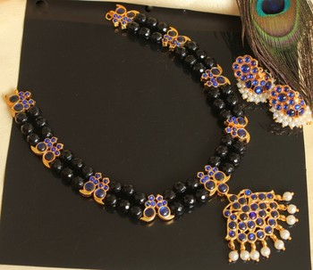Beautiful Black Blue Mango Pearl Designer Necklace Set