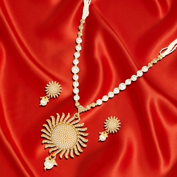 Pearl Sunshine Necklace Set for Woman with Earrings