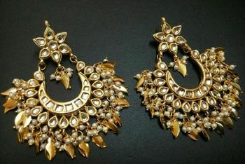 Nigaar Kundan chandbali Earrings