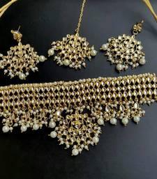 Buy Kundan choker Necklace set with maangtika choker online