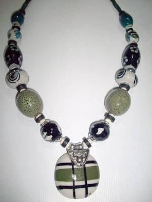 Trendy Fashion Beads Necklace
