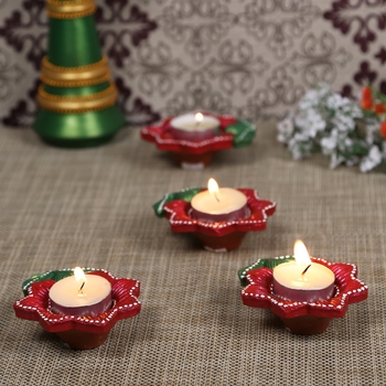 Aapno Rajasthan Red & Green Teracotta Floral Design Diyas for Diwali - Set of 4