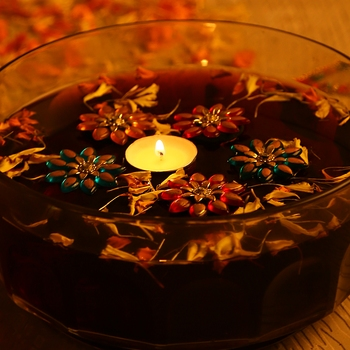 Aapno Rajasthan Smokeless Candle With Floating Showpieces - Set Of 5