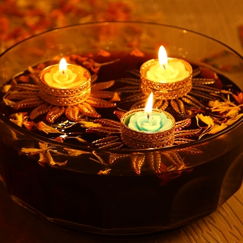 Aapno Rajasthan Red Floral Floating Candles