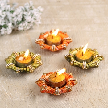 Aapno Rajasthan Floral Shape Wax Filled Diya Candles (Set of 4)