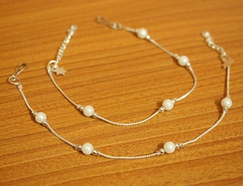 White Pearl Anklets