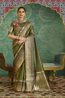 Mahendi Plain Handloom Silk Saree With Blouse