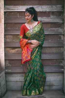 Green Plain Patola Silk Saree With Blouse
