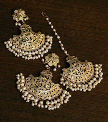 White Gold Plated Traditional Beaded Earrings cum Maang Tikka Set