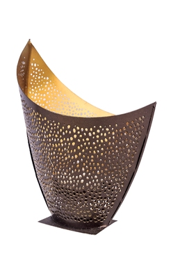 H & W Gold Metal Table Candle Holder for Diwali- Set of 1 (9 x 13 x 16 cm)