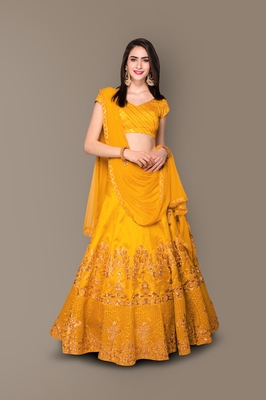 ELEGANT YELLOW RAW SILK EMBROIDERED WEDDING DESIGNER LEHENGA CHOLI DUPATTA SET