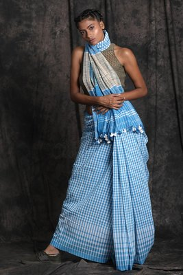Blue Hand Woven Cotton Saree With Blouse