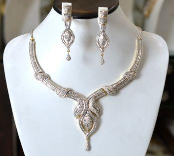 Exquisite Diamond Set