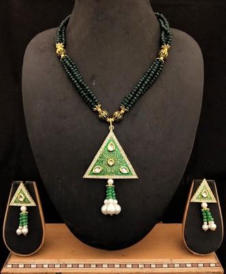 Green Cyrstal Kundan Meenakari Triangle Shape Jewelry Set