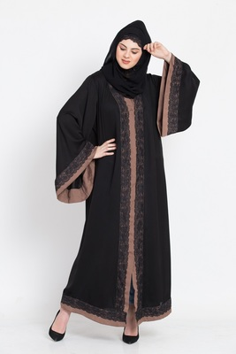 Nazneen Front Open With Lace And Contrast Band Dubai Kaftan