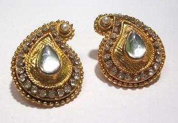 Golden stone tops Earring