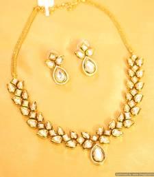 Gold Look Kundan & Meenakari Necklace Set