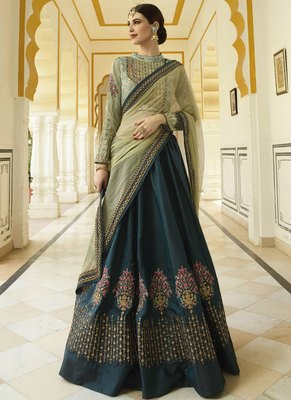 Bollywood style Embroireded wedding semi-stitched Lehengha