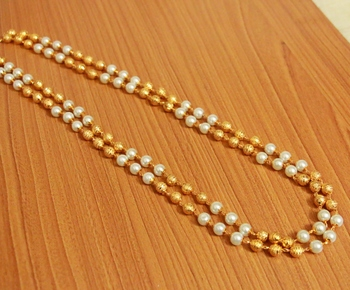 pearl necklace for formal event