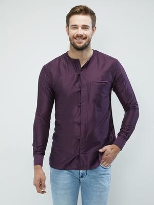 irin Dark Purple Poly Viscose Full Sleeves Solid Round Neck Short Kurta For Men