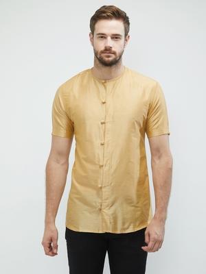 irin Gold Poly Viscose Half Sleeves Solid Round Neck Short Kurta For Men