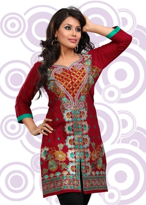 Maroon printed cotton short kurtis
