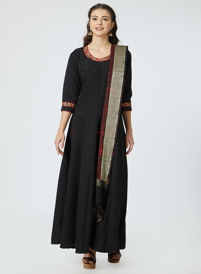 Black embroidered silk salwar with dupatta