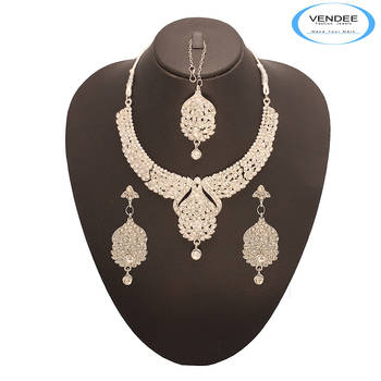 Vendee Fashion Attractive Designer Neckl