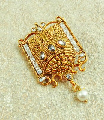 Lalso Designer Gold Plated White AD Zircon Saree Pin Brooch - LGSP04_WT