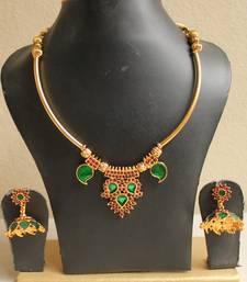 Buy Beautiful Handmade Green Palakka Necklace Set  eid-jewellery online
