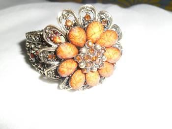Brown flower design bracelet