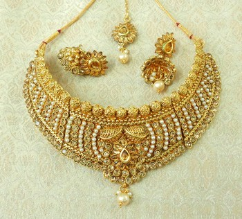 LALSO Golden LCT Kundan Pearl Gold Plated Wedding Bridal Choker Neckalce Earring Set With Maangtikka - LCN20_LCT