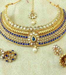 LALSO Blue Kundan Pearl Gold Plated Wedding Bridal Choker Neckalce Earring Set With Maangtikka - LCN22_BL