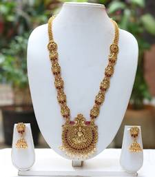 Golden South Indian temple jewellery set