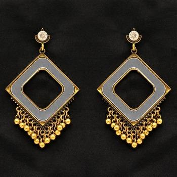 Gold Danglers Drops